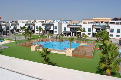 Top floor apartment in Oasis Beach La Zenia 4 Nº 128 in España Casas
