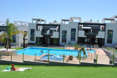 Ground floor apartment in Oasis Beach Punta Prima 8 Nº 039 on España Casas