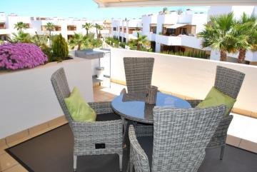 Top floor apartment in Secreto de la Zenia 2 Nº 006 in España Casas