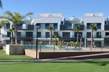 Top floor in Oasis Beach El Raso 10 Nº 042 on España Casas