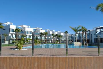 Top floor in Oasis Beach El Raso 10 Nº 074 in España Casas