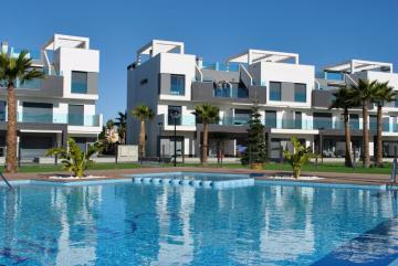 Ground floor in Oasis Beach El Raso 10 Nº 109 in España Casas