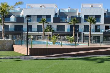 Top floor in Oasis Beach El Raso 11 Nº 026 on España Casas