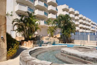Apartment in Calle Elcano Zen, La Zenia on España Casas